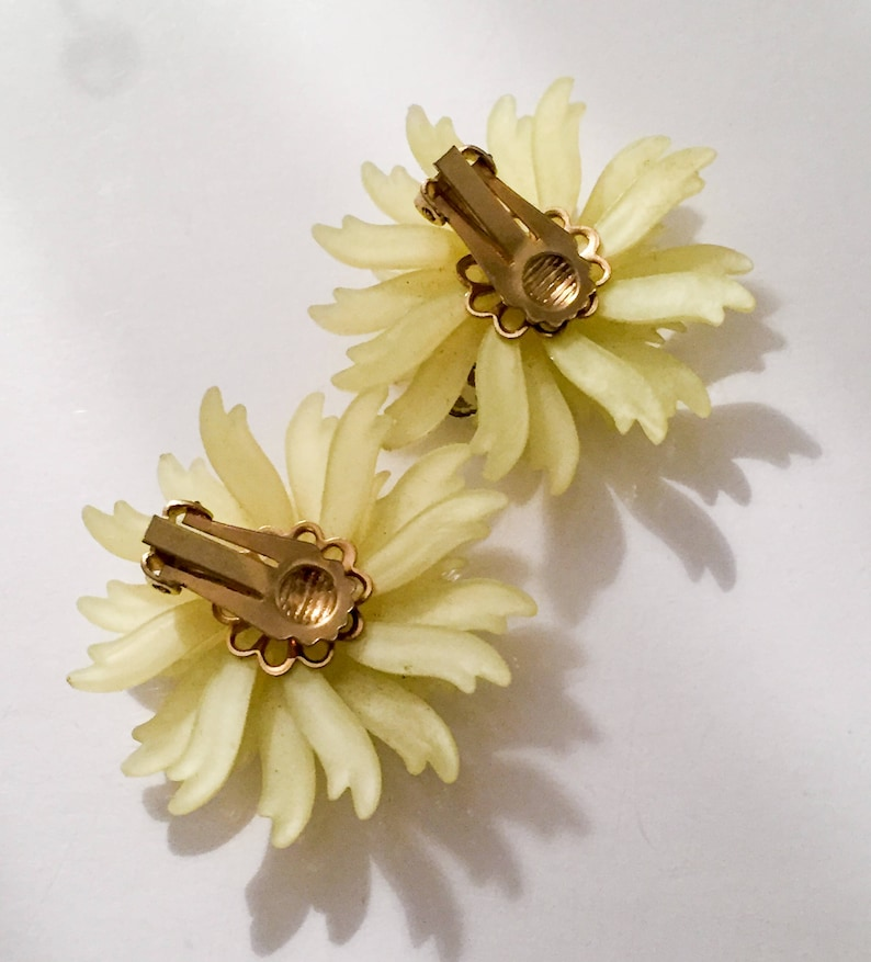 Vintage Jewelry Pale Yellow Celluloid Earrings