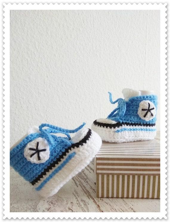 Baby Schuhe Turnschuhe blau Junge häkeln handmade Sneakers