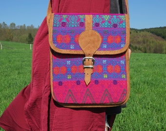 VINTAGE 90s boho aztec leather bag hippie bohemian festival indian maya guatemala pink  ethnic mexiko navajo tribal  goa  embroidered woven