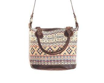 43362ee52 Bolso de piel con estampado thai // Bolso de cuero con tapiz étnico //  Bandolera cuero mujer // Bolso étnico de cuero // Bolso de mano mujer