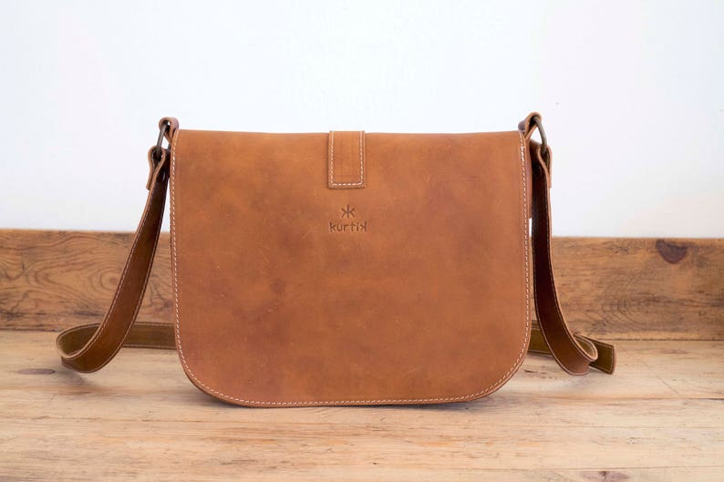 87432427e1175 MESSENGER BAG    Brown leather bag    Satchel Leather handbag