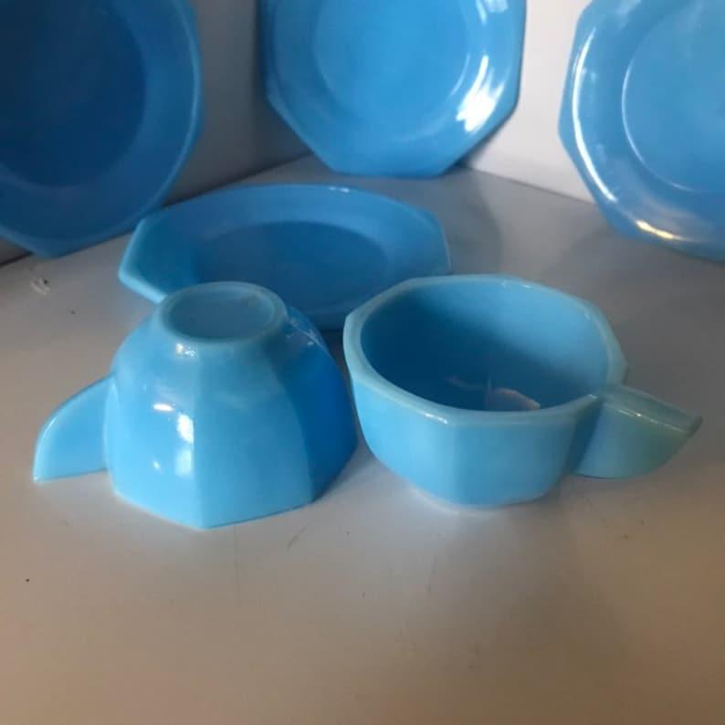 Akro Agate Art Deco Childrens Tea Set Pieces Cups and Saucers Six Pieces Blue