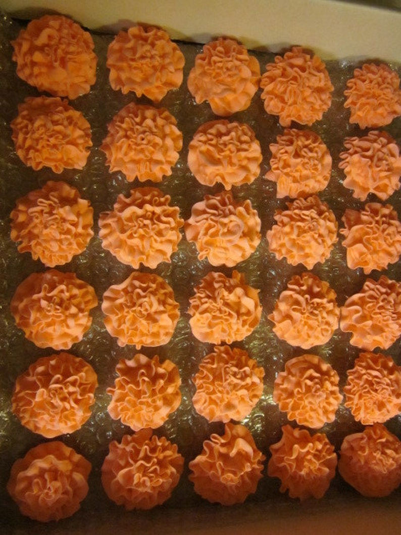 50 Royal Icing Carnations 1 1/2 inch in diameter image 0