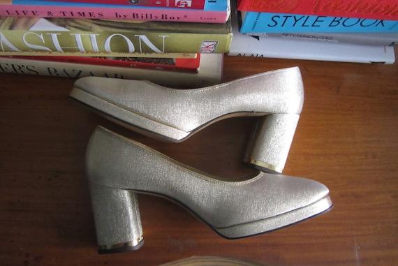 1960s gold platform heels | 60's Mod Metallic Heel