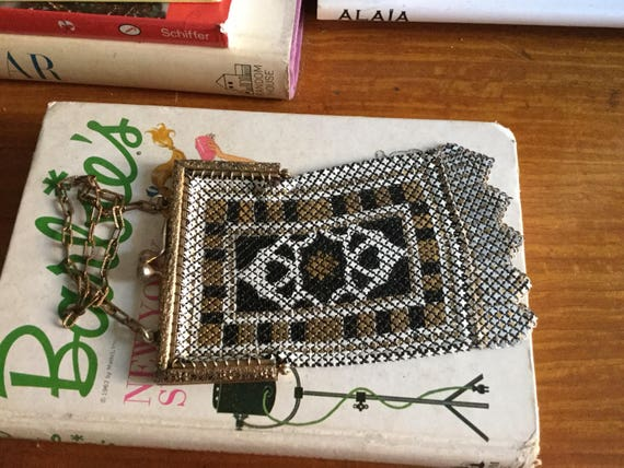 1920s Mandalian mesh purse • Antique 20s art deco… - image 3