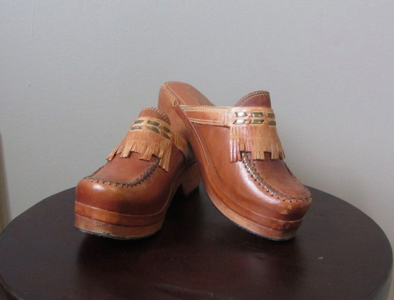 1970s pecan brown leather clogs | 70's Boho Hippie