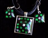 Cannabis leaf jewelry set, marijuana leaf earrings, pot leaf necklace, 420 friendly, green glitter pendant, weed leaf necklace, stoner gift