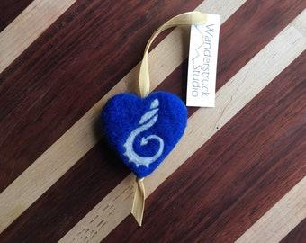 Wales Coast Path Ornament - Llwybr Arfordir Cymru - Handcrafted, Felted Wool Heart with Hiking Blaze Symbol for Gift or Christmas Tree