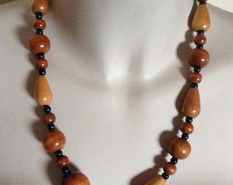 Wood Necklace - wooden bead necklace retro design