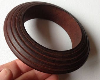 Bangle - large ribbed wooden bangle