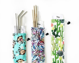 Travel Straw Pouch. Perfect for traveling with washable straws. Includes interior wet bag for dirty straws. Straw pouch. 3 sizes!