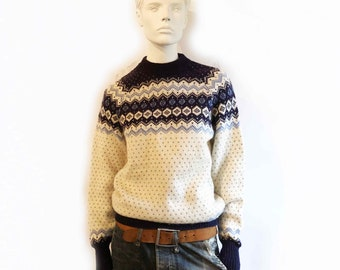 6ba5edd72173bc The Scandinavian Snowflake Vintage 70s Denmark Fair Isle Crew Neck Sweater  Women s Handstitch Handmade Wool Chunky Cozy Jumper
