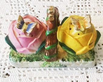 OCCUPIED JAPAN Ceramic Flower Buds with Butterflies Salt and Pepper Shakers on Handled Tray 1940s