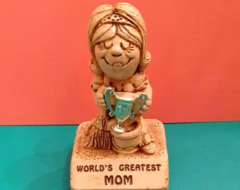 """World's Greatest Mom"" Sillisculpt Statuary (1970)"