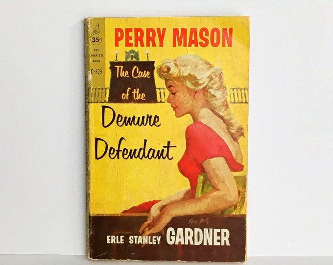 PERRY MASON The Case of the Demure Defendant VINTAGE Paperback Book by Earle Stanley Gardner 1955, 1959
