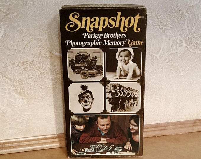 """SNAPSHOT"" PARKER BROTHERS Photographic Memory Game (1972)"