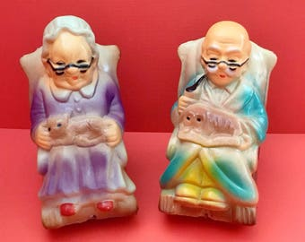 Grandma and Grandpa Coin Bank Set