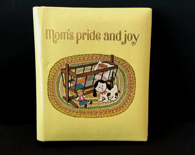 "Vintage Mom's BRAG BOOK Photo Album ""Mom's Pride and Joy"" Cradle, Dog, Doll 1970s"