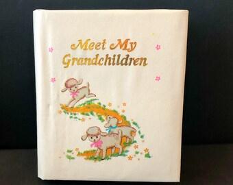 """Vintage Grandmother's BRAG BOOK Photo Album """"Meet My Grandchildren"""" Lambs 1970s"""