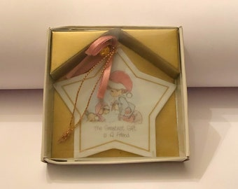 """PRECIOUS MOMENTS Christmas Star Ornament """"The Greatest Gift is a Friend"""" 1988 Enesco Dog and Boy"""