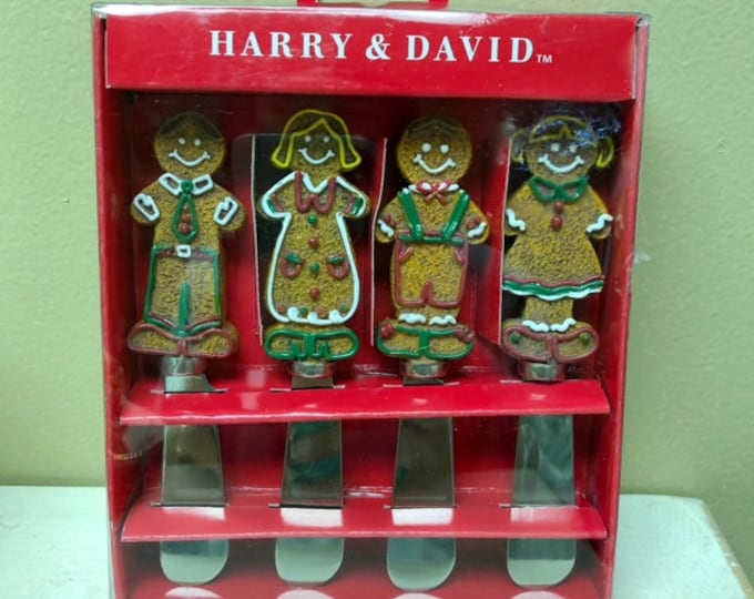 Harry & David Set of Four (4) GINGERBREAD SPREADERS (Previously Owned)