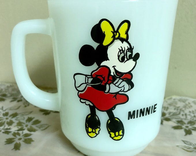 MINNIE MOUSE Milk Glass MUG