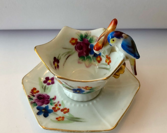"Collectible Miniature BIRD TEA CUP and Saucer ""Made in Japan"" Knick-Knack"