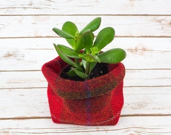 Small Fabric Pot in Red Tartan Harris Tweed