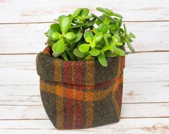 Medium Fabric Pot in Green Tartan Harris Tweed