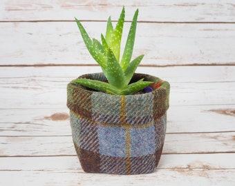 Small Fabric Pot in MacLeod Tartan Harris Tweed