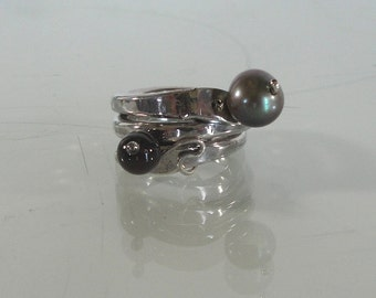 Artisan Sterling Silver Pearl and Garnet Ring
