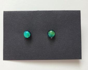 Dichotic Dot Stud Earrings