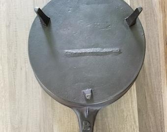 Pre-1890 Antique Cast Iron Gatemark 3-legged Spider Skillet