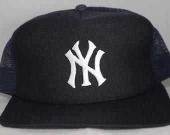 5a8265be4350d2 Vintage New York Yankees New Era MLB Snapback Hat