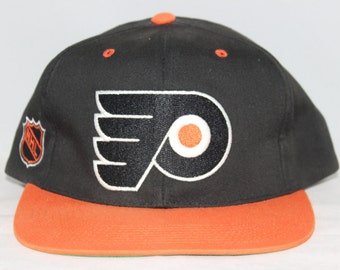 Vintage Philadelphia Flyers Sports Specialties NHL Snapback Hat