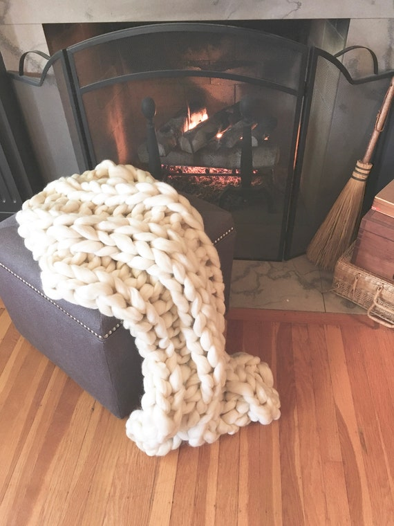 Chunky Blanket, Chunky Throw, Lap blanket,Snuggle Smoosh Blanket! Super chunky blanket personal size.