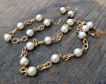 Gold and Pearl Jewelry Set, Gold Toned Jewelry Set, Faux Pearl Jewelry Set, Necklace Bracelet Earrings Set, Chunky Pearl Jewelry Set