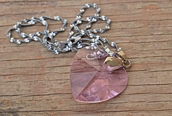 Latinx Pink Transparant Necklace