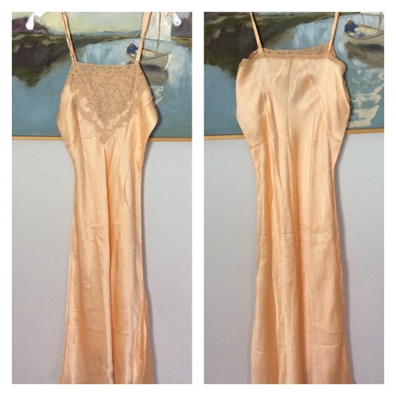 Vintage 30's Peach Silk Lace Slip Lingerie nightgo