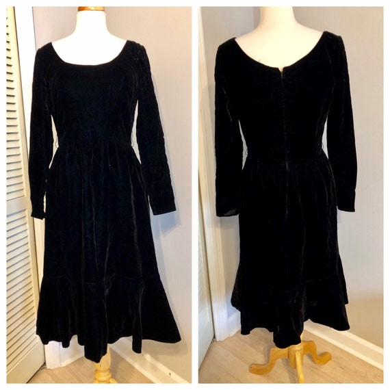 Vintage Black Velvet Mollie Parnis Dress Size 6