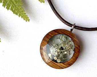Delicate Nature Lover Jewelry with Real Moss/ Lichen in Resin, Michigan Terrarium Necklace, Tiny Wooden Lichen Resin Necklace Pendant