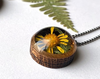 Resin and Wood Necklace Pendant with Yellow Daisy Flower: Nature Jewelry with Real Plants, Floral Butterflower Terrarium Necklace