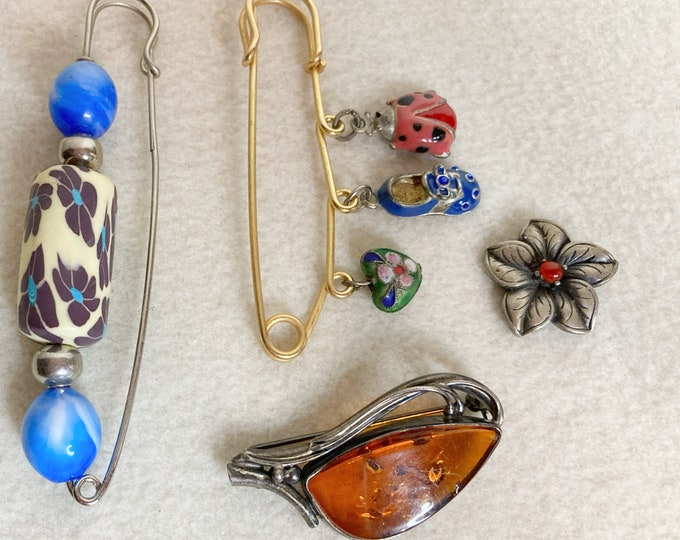 Vintage 2 Collar Pins Agate Flower Brooch /& 2 Beaded Safety Pins