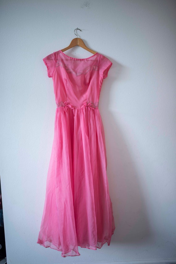 Vintage Pink Gown || 1950s Prom || Pink & Flowers