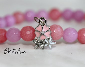 Pearl bracelet to match with your outfit   FLOWER FLOWERS   -Glass or natural stone beads. and a decorative bead.