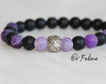 Pearl bracelet to match with your outfit   Violine   -Glass or natural stone beads. and a decorative bead.