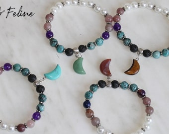 Pearl bracelet to match with your outfit   MOON   -Glass or natural stone beads. and a decorative bead.