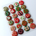 24 advent calendar Buttons numbers Red Green white