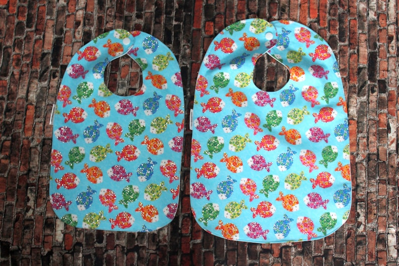 Infant/Toddler Water resistant  Bibs  Fish image 0