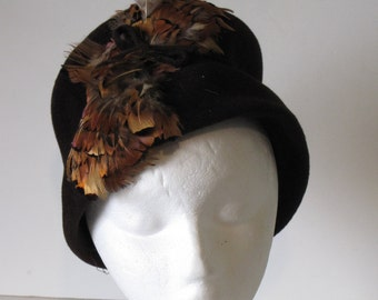 Vintage Women's Brown Feather Cloche Hat